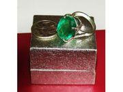 Серебрянное кольцо с драгоценными камнями